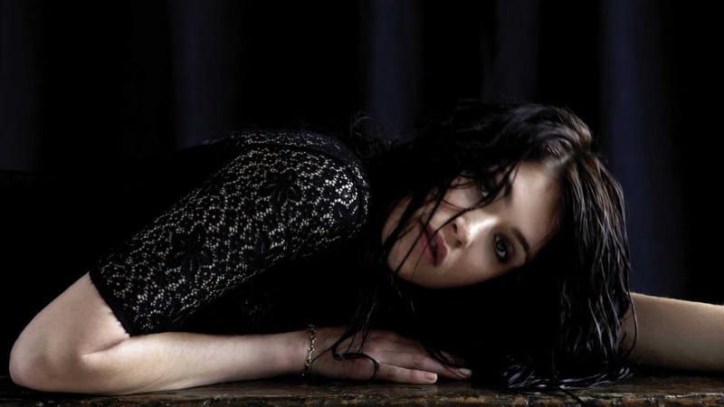 Gemma Arterton Theme Preview Image