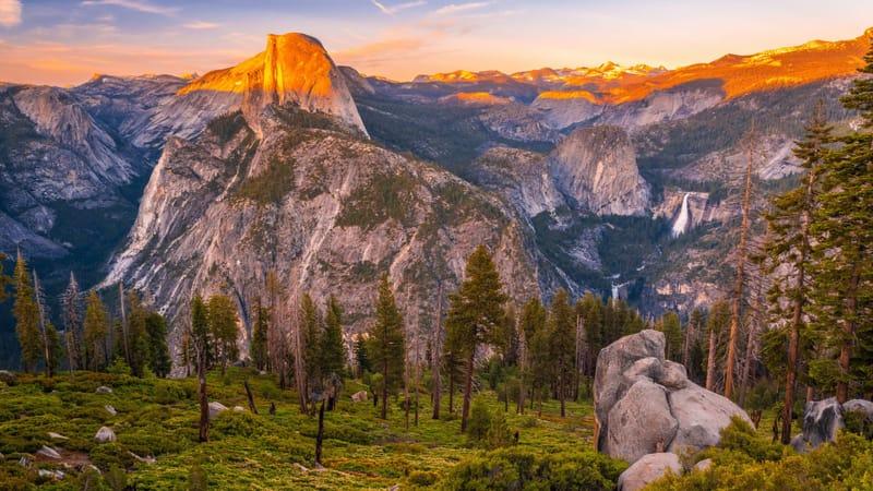 Yosemite National Park Theme Preview Image